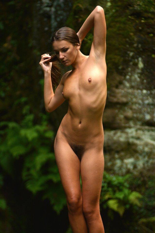 Lucie Posing