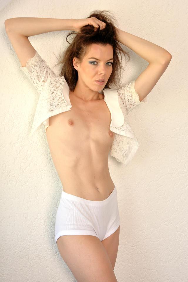 Topless Dede